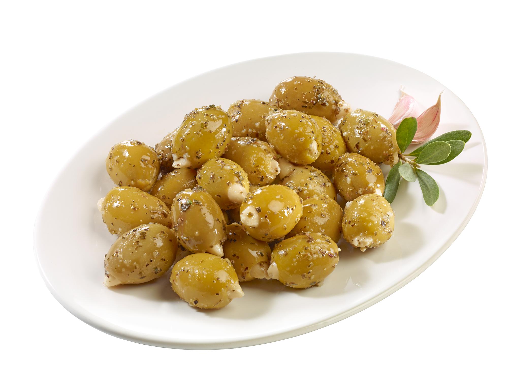 Grüne Oliven mit Mandeln